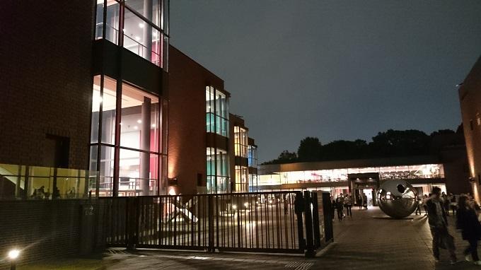 夜の東京都美術館02
