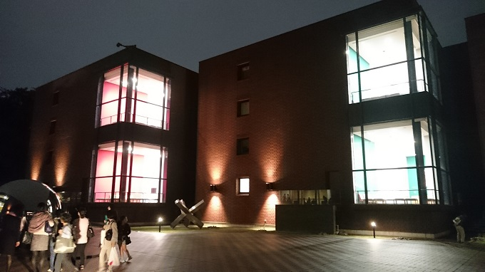 夜の東京都美術館03