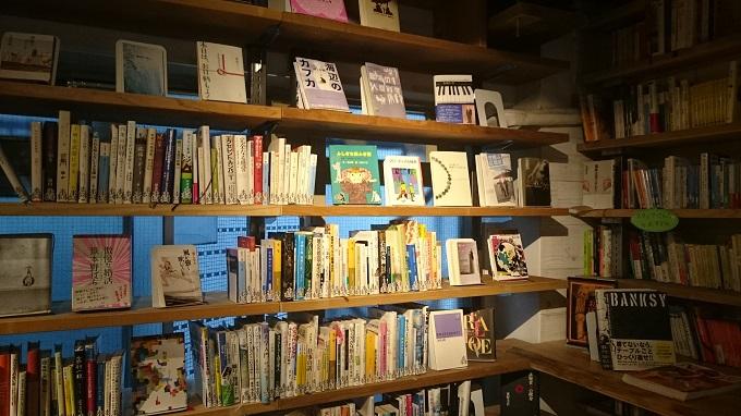 森の図書室_内観