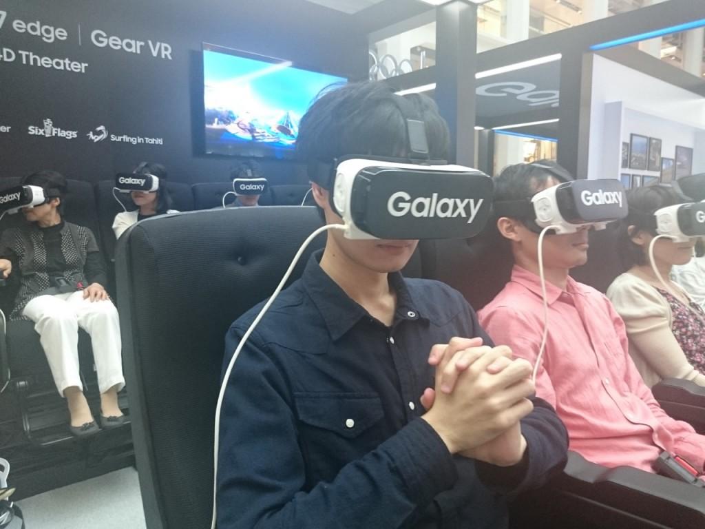 Galaxy StudioでVR Theaterを体験!ジェットコースターの臨場感すごい!