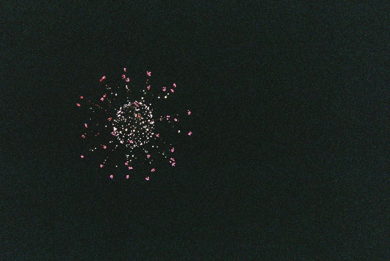 写ルンですで花火を撮影するとこうなる